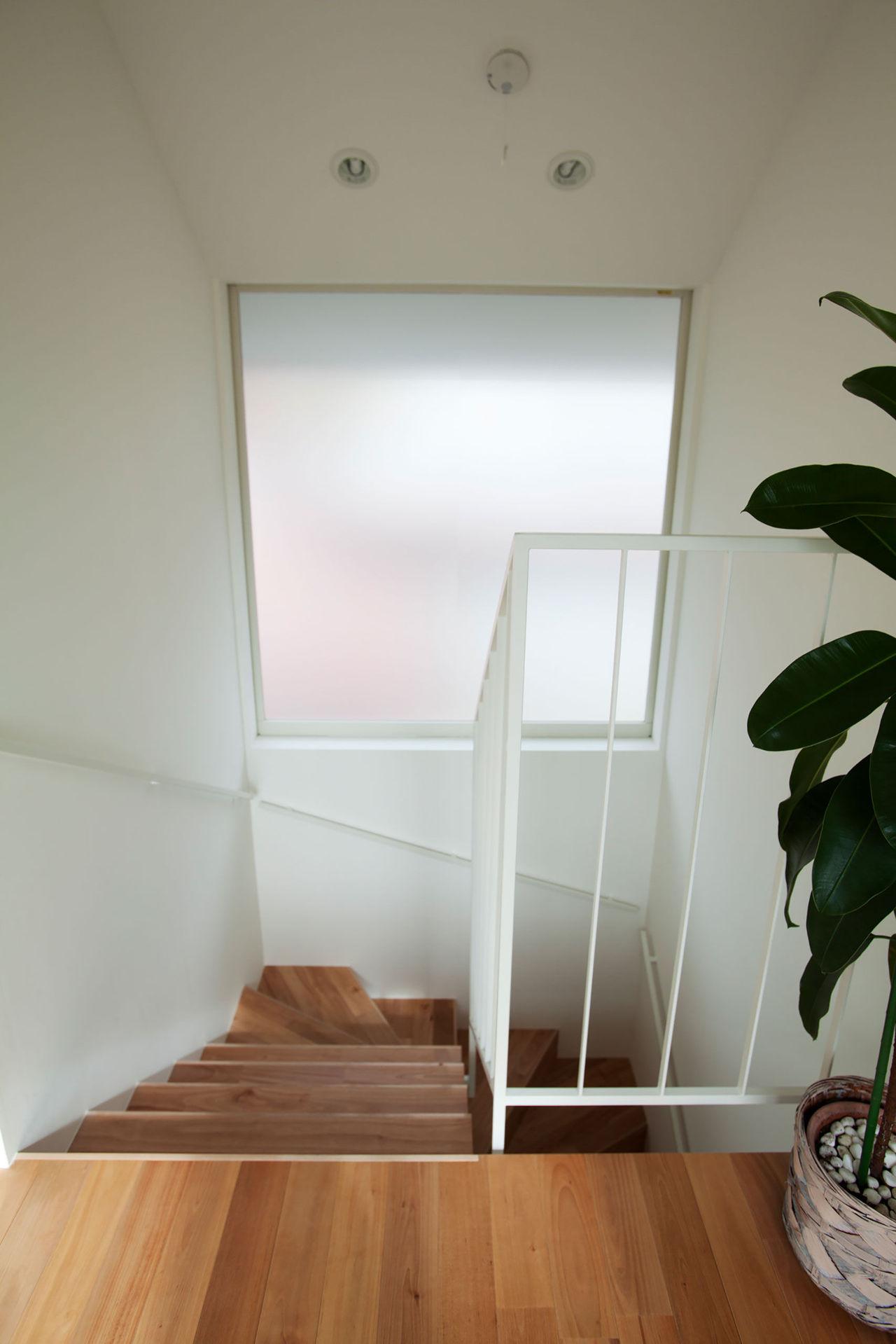 登り屋根の家